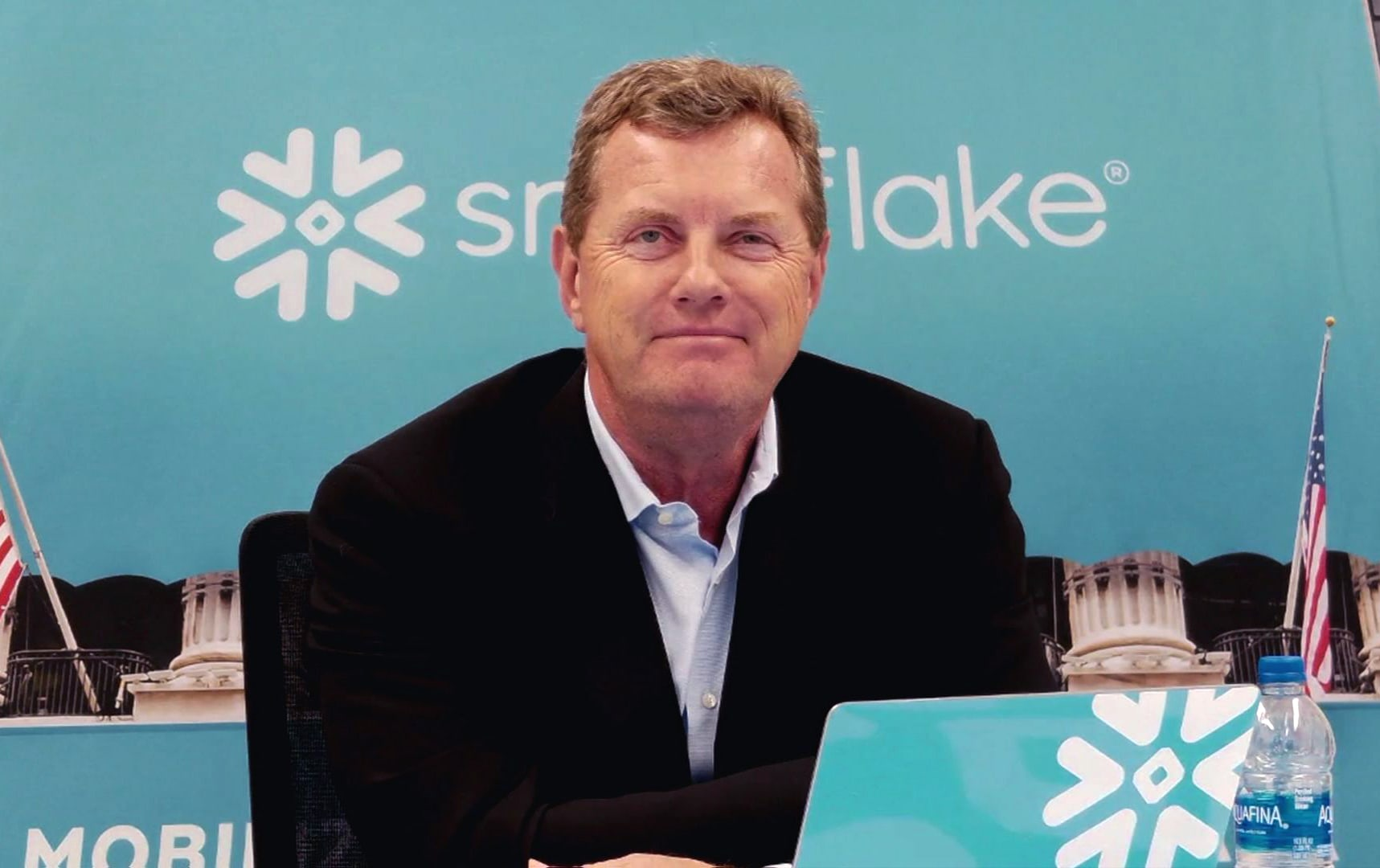 snowflake-more-than-doubles-in-market-debut,-largest-ever-software-ipo
