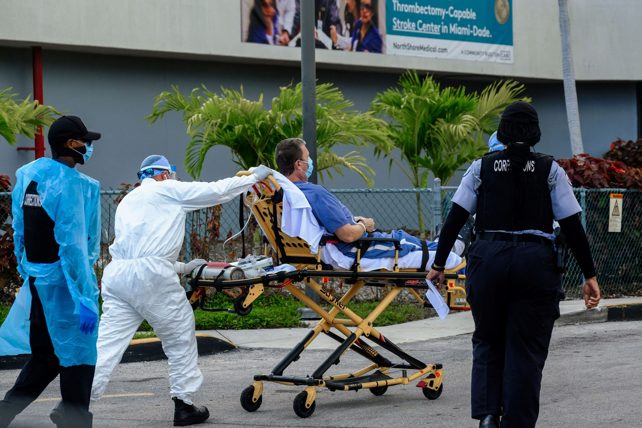 Covid cases, hospitalizations continue to surge as U.S. reaches 'critical point' in pandemic