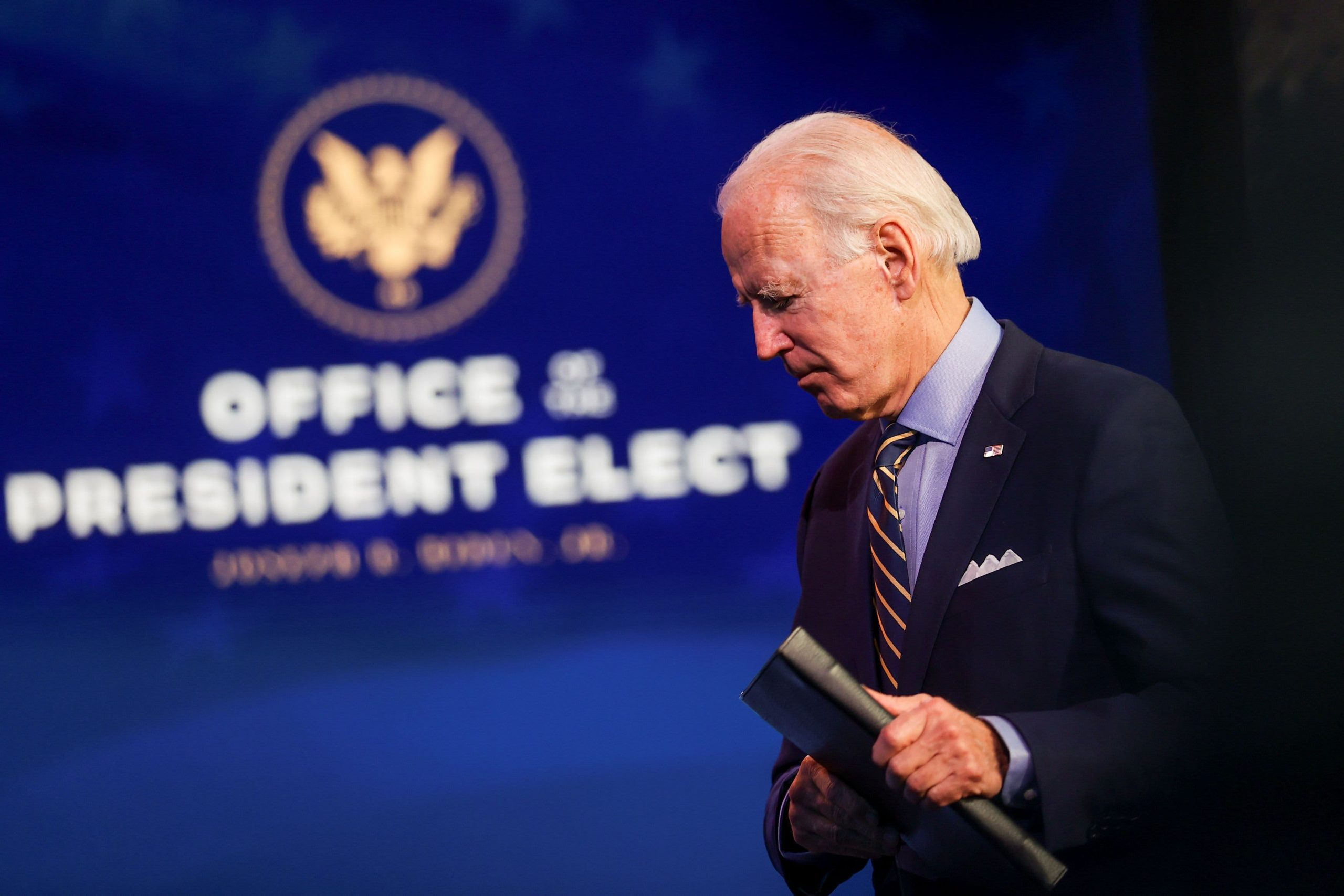 Biden advisor's lobbyist brother has connections but is cautious on conflicts