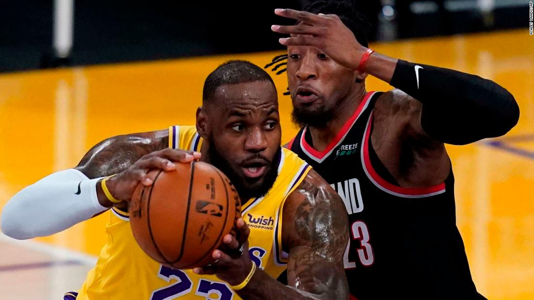 NBA: LeBron and the Lakers yet to click in early days of NBA season