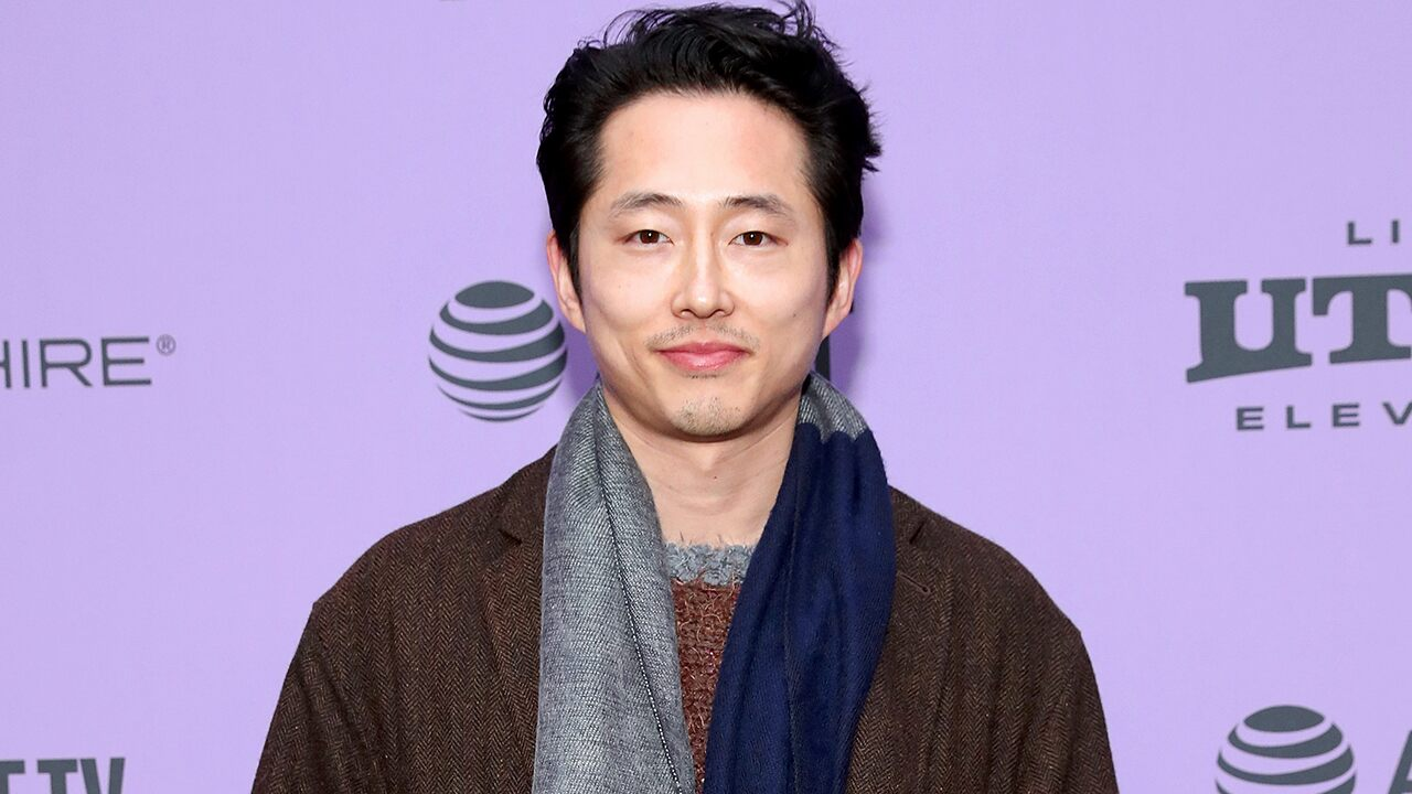 'The Walking Dead' star Steven Yeun talks about his infamous departure from the show amid Oscar buzz