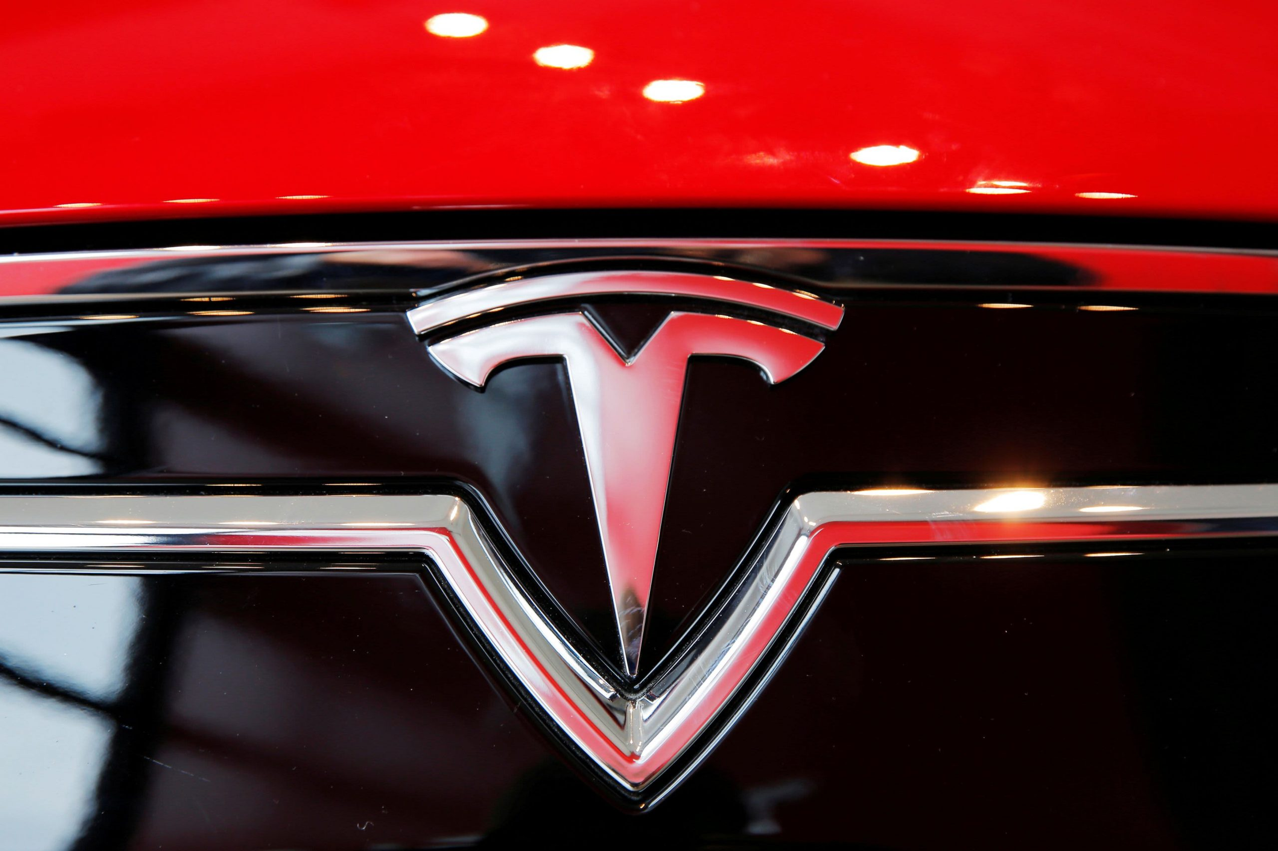 'No one was driving' in Tesla crash that killed two men in Spring, Texas: Report