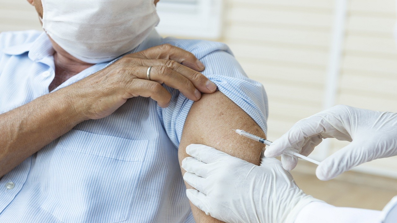Swollen lymph nodes following COVID-19 vaccination could mean you already had virus, study suggests