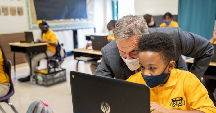 Gov. Lee's charter school expansion mission aims beyond Tennessee's big city limits