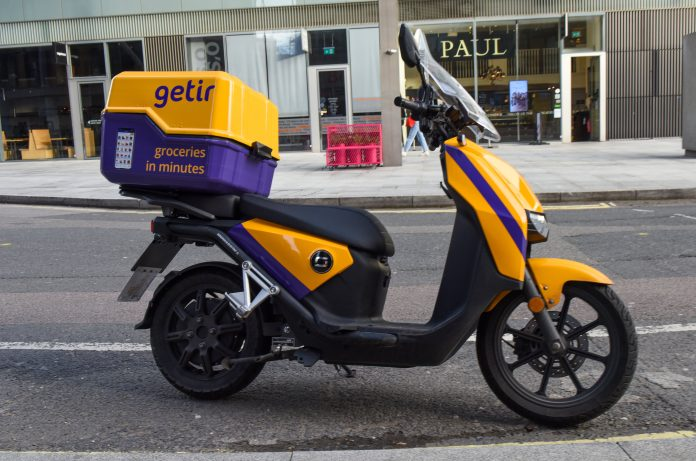 Speedy grocery delivery apps invade Europe