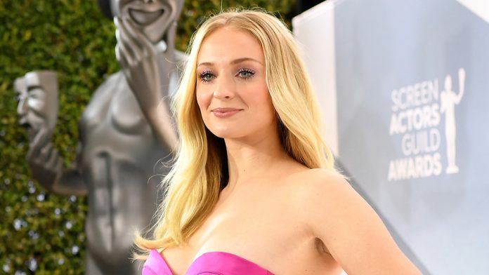 'Game of Thrones' star Sophie Turner honors Pride Month: 'Time isn't straight and neither am I'