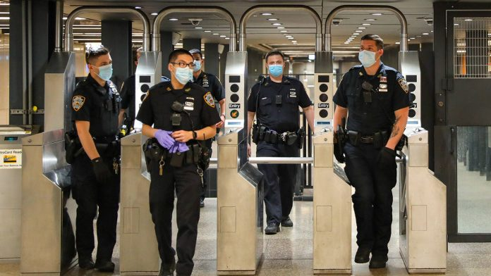 Black NYC Dems want more uniformed police in subways, poll finds
