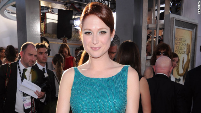 Ellie Kemper apologizes for participating in controversial pageant as a teen