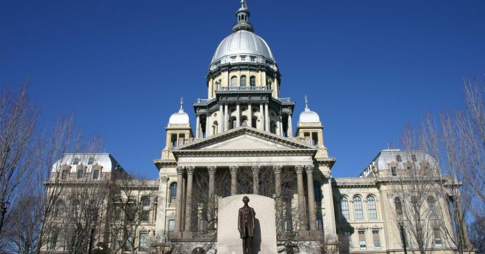 Illinois approves budget with $350M for schools