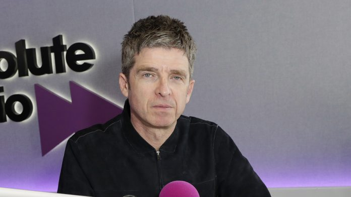 'Oasis' frontman Noel Gallagher slams Prince Harry for 'dissing' royal family