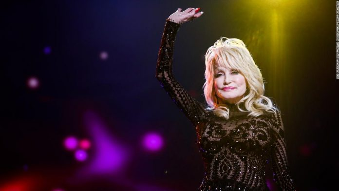 Dolly Parton recreated her 1978 Playboy cover