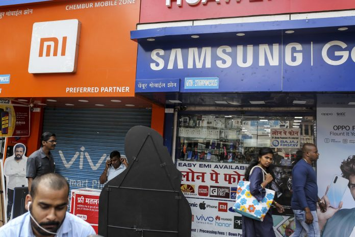 Smartphone shipments in India fell 13% in Q2 due to Covid-19