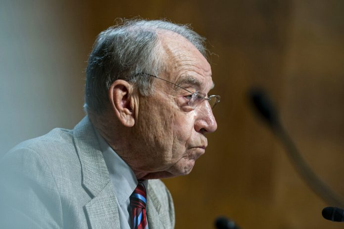 Grassley, McConnell, adamant Republicans won't help Dems raise debt limit: 'Why are they coming to us?'